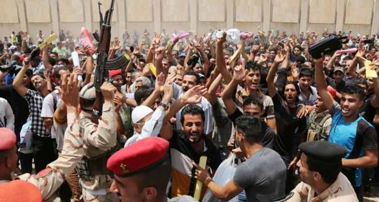 Photo of Above 30,000 Iraqis have answered a call to join security forces to defend Baghdad, Iraq against ISIL terrorists