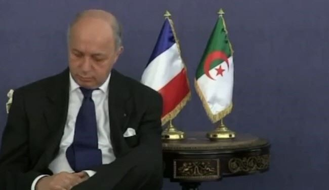 Video of French FM taking naps in talks with Algerian FM
