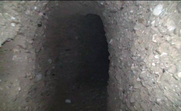 Photo of Syrian army unit discovered a 300-meter long and 14-meter deep tunnel in Harasta town in Damascus