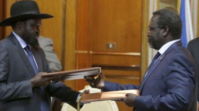 Photo of South Sudan warring leaders urge peace talks