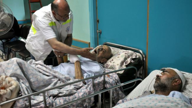 Photo of World has not seen this kind atrocity in history:  zionists bombs more hospitals across Gaza Strip