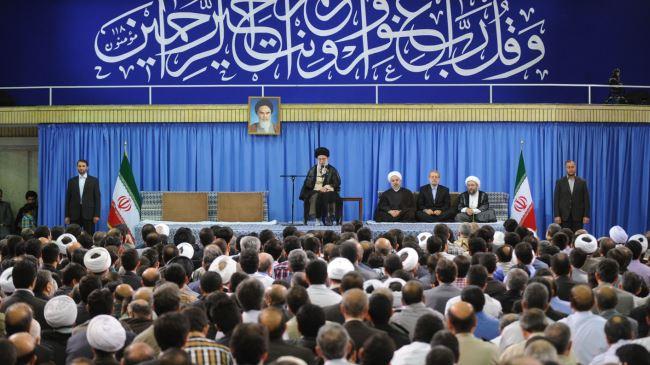 Photo of Leader of the Islamic Ummah Imam Sayyed Ali Khamenei: Muslim nations must unite to help Gazans