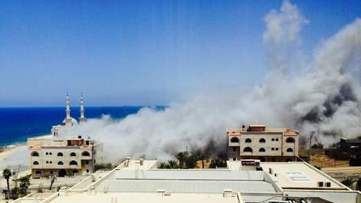 Photo of Slaughterer israeli warplanes bomb market in Gaza, kill 17