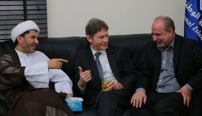 Photo of Expelled US diplomat condemns Bahrain