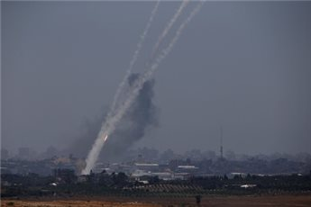 Photo of Gaza Now: Qassam Mujaheds pound Tel-Aviv with 3 M75 missiles, Bitah Tekfa town with 3 Vabil Missiles..
