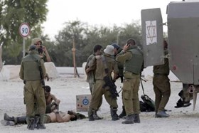 Photo of Urgent: 60 inhuman zionist soldiers injured, 12 of them with life risk, around Gaza Border this morning!