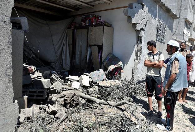 Photo of Illegitimate Terror Regime completely destroys 1100 houses in Gaza!