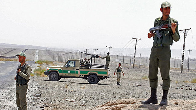 377058_Iran-Pakistan-Border