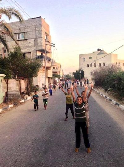 Children in Khan younis take to the streets to celebrate the ceasefire