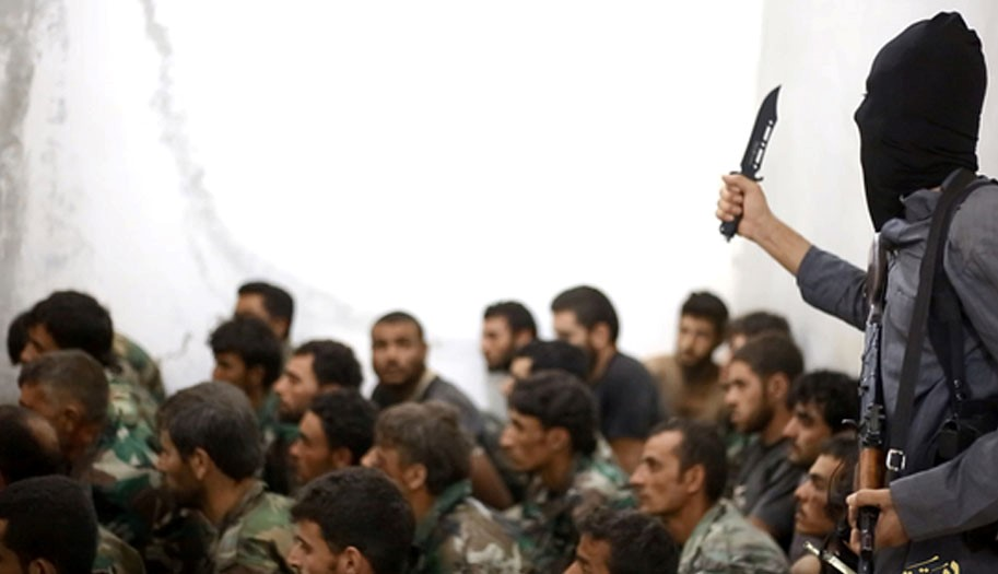 ISIL executes dozens of captured Syrian soldiers: NGO