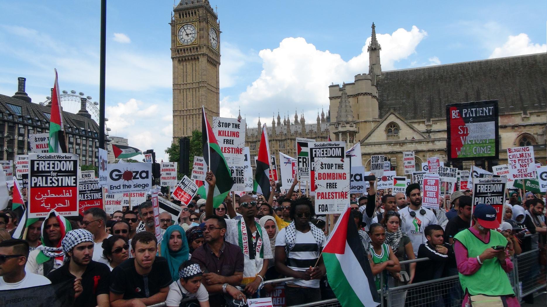 Photo of Activists in UK demand full embargo on Israel