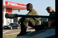 Ukraine says detained 10 Russian troops in east