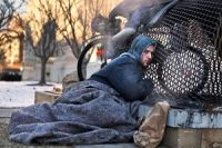 Why has homelessness become a crime in many US cities