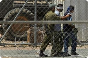 Photo of Ministry of prisoners: Israeli soldiers abused Gaza detainees during the war