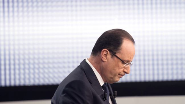 Photo of Hollande popularity down to record 13 percent in August: Poll