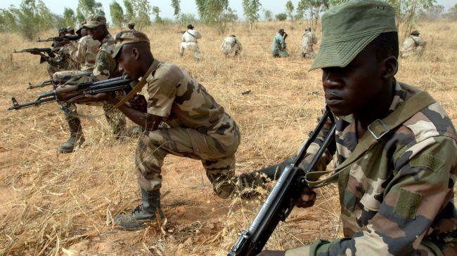 378517_Nigerian-soldiers