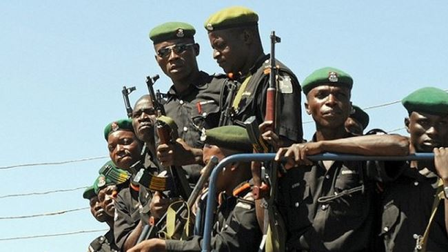 378902_Nigeria-soldiers