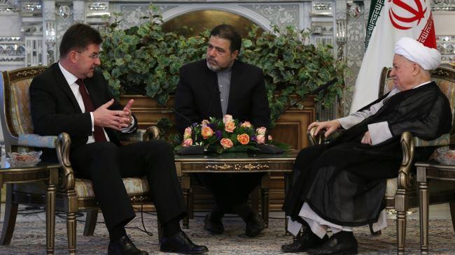 378940_Rafsanjani-Lajcak-meeting
