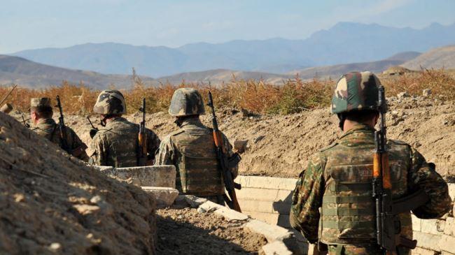 379138_Armenian-soldiers