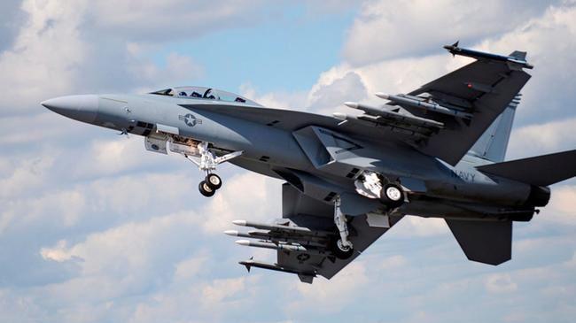 379732_US-warplane