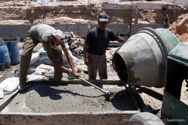 palestinian-workmen-contruction-cement-labourer