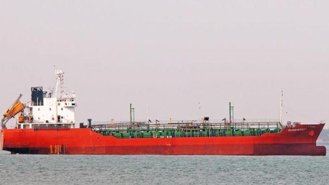 381365_Vietnamese-oil-tanker