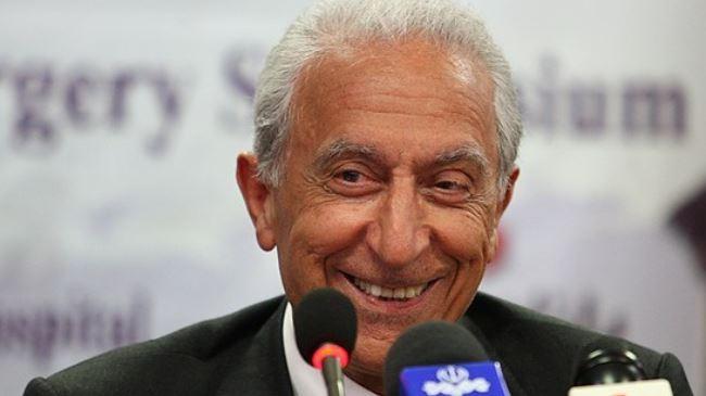 381838_Professor Majid Samii-Golden Neuron Award