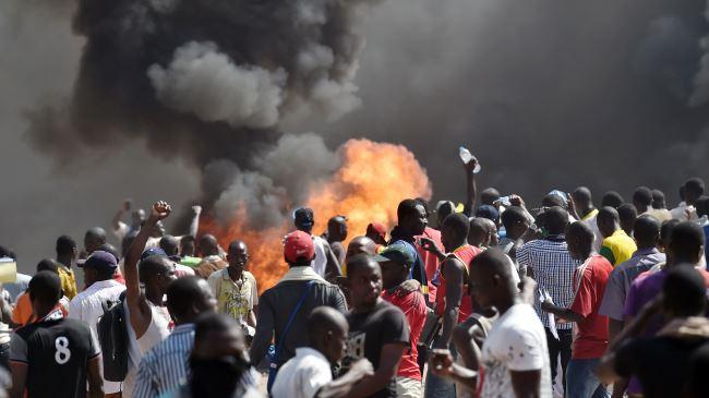 384239_Burkina-protest