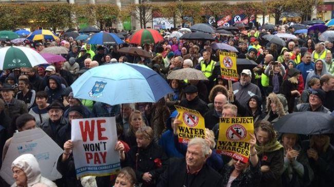 384492_Ireland-protest