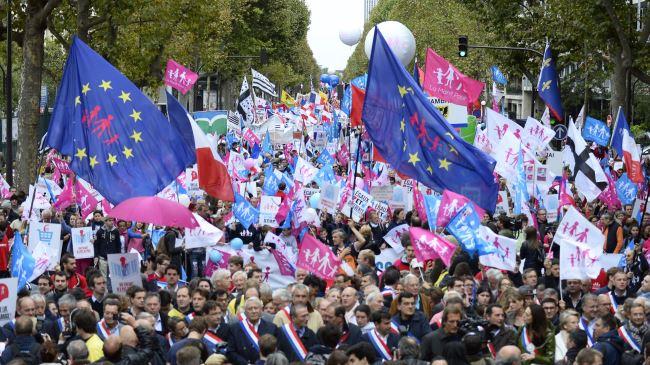 384504_paris-protest
