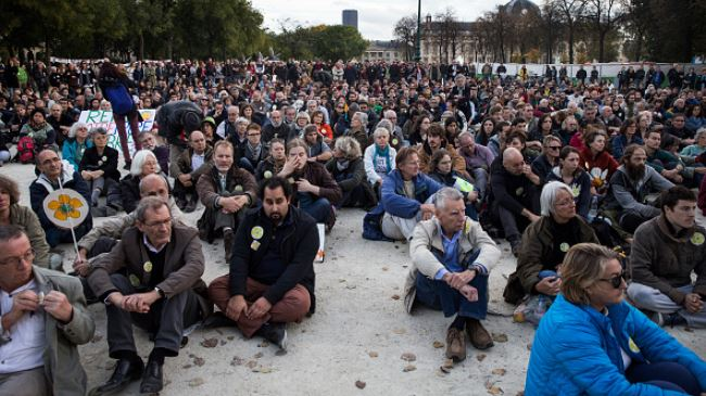 384554_Paris-protest
