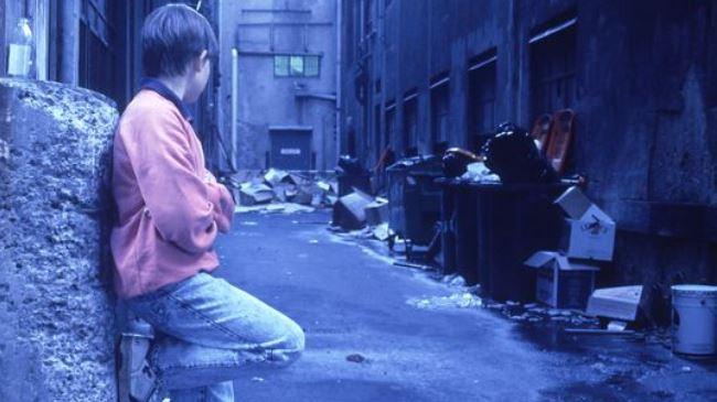 384690_UK-homeless-child