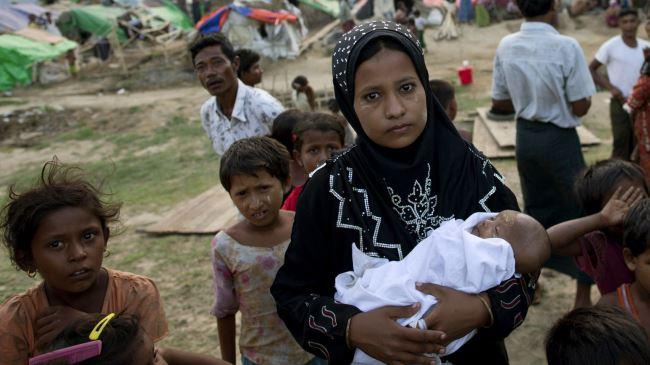 384725_Myanmar-displaced
