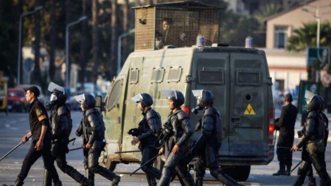 384977_Egypt-students