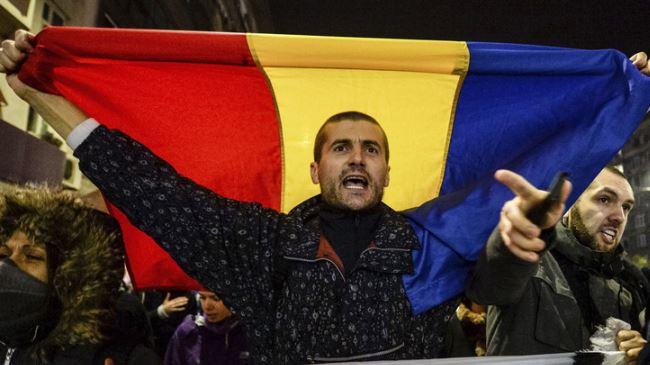 385325_Romania-protest
