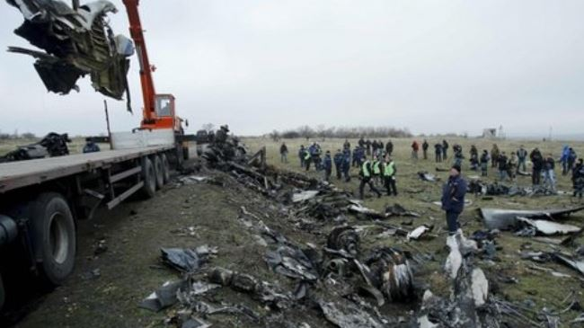Photo of MH17 wreckage removal begins in eastern Ukraine