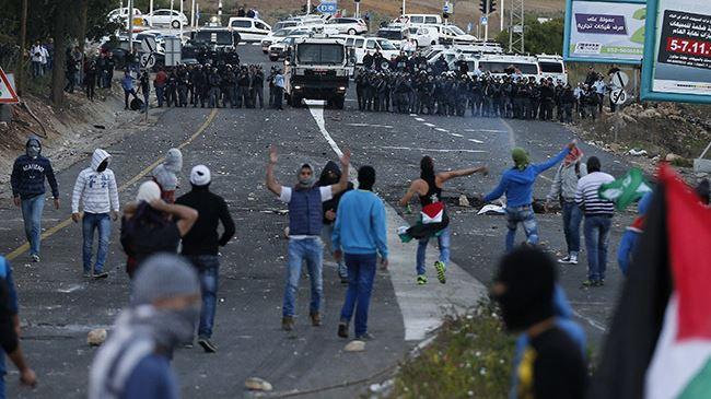 386639_Palestinians-Israelis