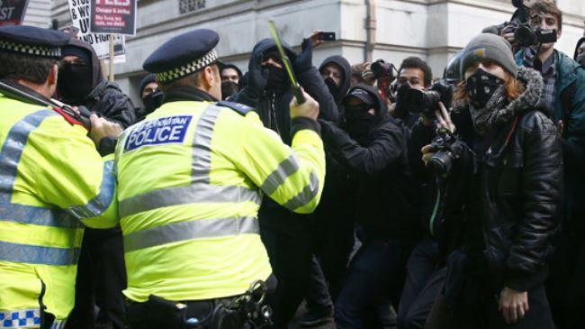 386696_UK-police