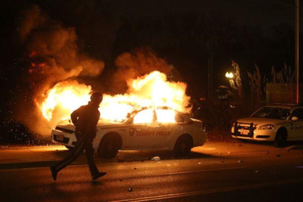 387427_US-Ferguson