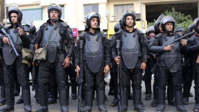 387730_Egypt-police