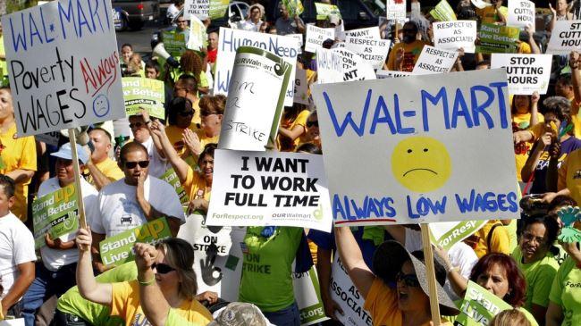 387985_Walmart-workers