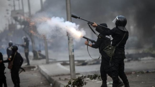 388076_Egypt-protest-police