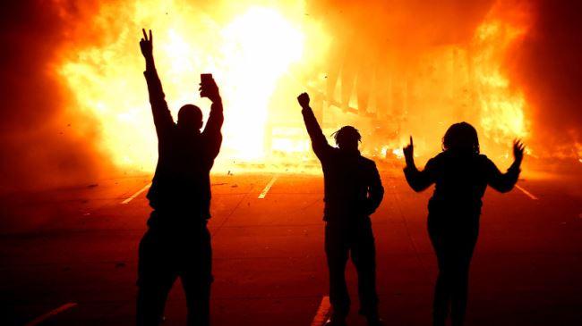 388115_Ferguson-protest