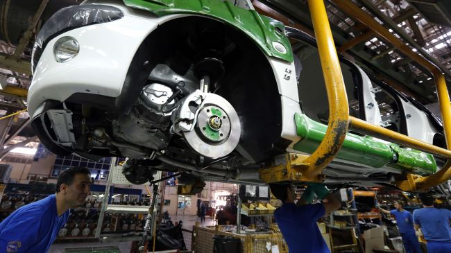 Photo of Automakers seek share at Iran's car market