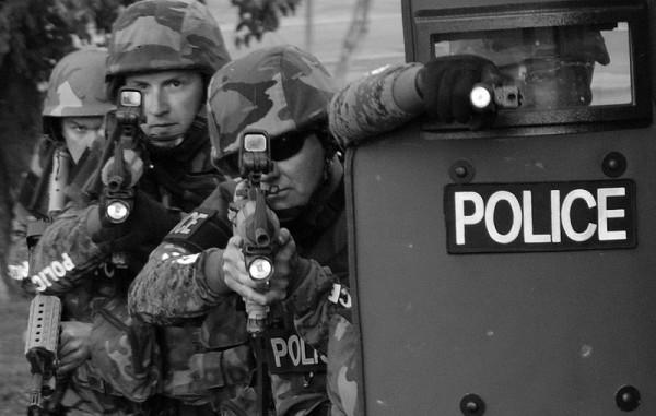 SWAT-team-police-militarization-600x381