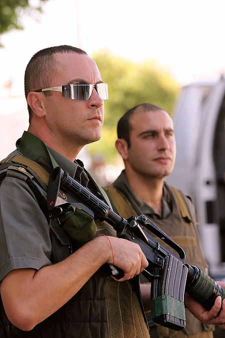 shin bet security services - 450×675