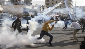 Photo of Clashes break outbetween Palestinian youths and zionist regime forces  in Aroub refugee camp