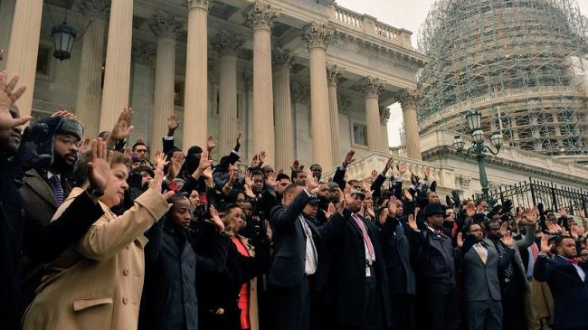 Photo of US congressional staffers stage walkout to join protesters