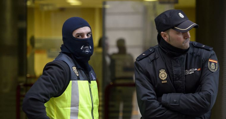 Photo of Spain holds 4 accused of recruiting female ISIL Takfiris