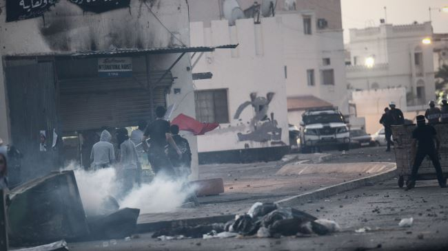 Photo of Clashes break out outside Bahrain opposition leader's home